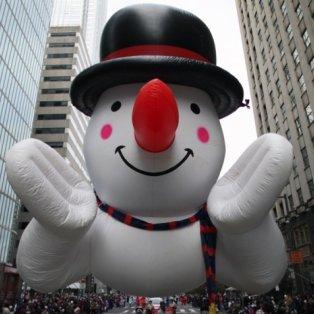15/12/2014: Με έναν τεράστιο φουσκωτό χιονάνθρωπο οι κάτοικοι της Φιλαδέλφεια περιμένουν τα Χριστούγεννα! Εντυπωσιακότατος! Photograph: Joseph Kaczmarek/AP - Κυρίως Φωτογραφία - Gallery - Video