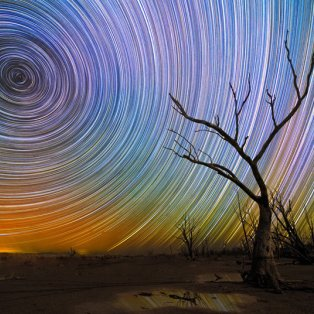 1/3/15: Μια μαγευτική φωτό που θα σας καθηλώσει από τον Αυστραλό φωτογράφο Lincoln Harrison - Απεικονίζει τα «ίχνη» ενός πεφταστεριού! - Κυρίως Φωτογραφία - Gallery - Video