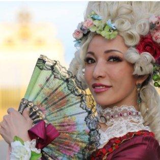Γιορτή Μπαρόκ στο Παλάτι των Βερσαλίων και η κυρία τράβηξε δικαιολογημένα τα βλέμματα – Getty Images - Κυρίως Φωτογραφία - Gallery - Video
