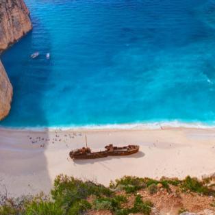 """Η διάσημη παραλία """"Ναυάγιο"""" στη Ζάκυνθο από ψηλά - Φωτογραφία: VisitGreece.gr / Instagram - Κυρίως Φωτογραφία - Gallery - Video"""