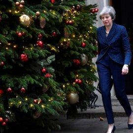 Καρέ-καρέ εικόνες και βίντεο από τη νύχτα που η Μέι έγινε Θάτσερ - Το Brexit ενισχύθηκε, η πρωθυπουργός σιδηρά - Κυρίως Φωτογραφία - Gallery - Video