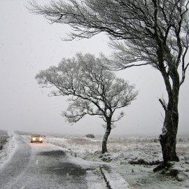"""Η """"άνοιξη"""" θα κρατήσει λίγο - Έρχεται τριήμερο χιονοπτώσεων στην Αττική - Βουτιά του υδράργυρου έως 16 βαθμούς (φώτο-βίντεο) - Κυρίως Φωτογραφία - Gallery - Video"""