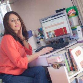 Αποκλ. Made in Greece η Fancy Owl Creations: Το τρελό όνειρο μίας γυναίκας πραγματικότητα – Η Βιβή Χατζηκυριάκου και οι χειροποίητες θήκες για βιβλία - Κυρίως Φωτογραφία - Gallery - Video