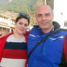 """Ποια είναι η νεαρή Ναριμάν που συγκινεί; - """"Στην Ελλάδα άλλαξε η ζωή μου, έβγαλα την μαντήλα & ένιωσα ελεύθερη  - Κυρίως Φωτογραφία - Gallery - Video"""