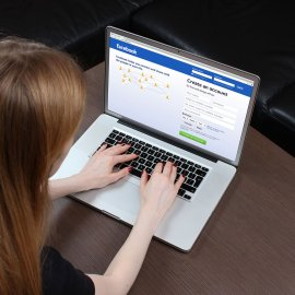 """Νέο σκάνδαλο διαρροών στο Facebook: Στη """"φόρα"""" τα προσωπικά e-mail 1,5 εκατομμυρίου χρηστών  - Κυρίως Φωτογραφία - Gallery - Video"""