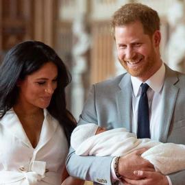 Αυτό είναι το πιστοποιητικό γέννησης του πρωτότοκου γιου Χάρι - Μέγκαν - Πόσα κιλά γεννήθηκε - Κυρίως Φωτογραφία - Gallery - Video