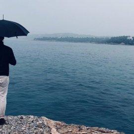 Καιρός: Από το αντηλιακό στην ομπρέλα - Φθινοπωρινό σκηνικό με βροχές καταιγίδες & χαλάζι  - Κυρίως Φωτογραφία - Gallery - Video