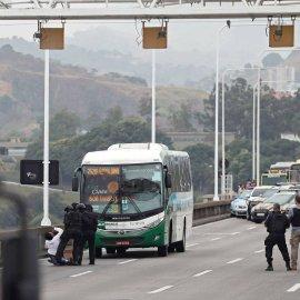 Ρίο ντε Τζανέιρο: Νεκρός από τα πυρά της αστυνομίας ο ένοπλος που κρατούσε ομήρους 37 επιβάτες (φώτο-βίντεο) - Κυρίως Φωτογραφία - Gallery - Video