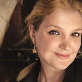 """Σοφία Κοκοσαλάκη: """"Δεν παντρεύτηκα ποτέ αλλά φτιάχνω νυφικά"""" - Η αδυναμία στην κόρη της (φώτο) - Κυρίως Φωτογραφία - Gallery - Video"""