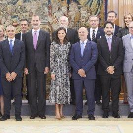 H Βασίλισσα της Ισπανίας Λετίσια, φόρεσε το απόλυτο trend της φετινής μόδας  - Snakeskin shirtdress (φωτό) - Κυρίως Φωτογραφία - Gallery - Video