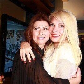 Ζήνα Κουτσελίνη αποκαλύπτει: «Η Ελένη Μενεγάκη μου έδωσε 2 εκατομμύρια δραχμές για να πάρω το σπίτι μου» - Κυρίως Φωτογραφία - Gallery - Video