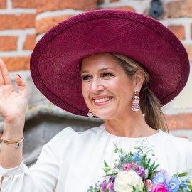Πως ντύθηκε τις τελευταίες 20 μέρες η Βασίλισσα Μάξιμα της Ολλανδίας: Συντηρητικά ταγέρ - Petits Carreaux & κίτρινη δαντέλα (φώτο)  - Κυρίως Φωτογραφία - Gallery - Video