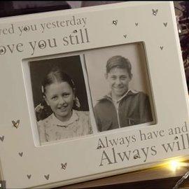 Τόνι & Κάρολ : Η ρομαντική ιστορία μιας αγάπης που δεν τελείωσε ποτέ είναι η πιο συγκινητική διαφήμιση των φετινών Χριστουγέννων (φώτο-βίντεο) - Κυρίως Φωτογραφία - Gallery - Video