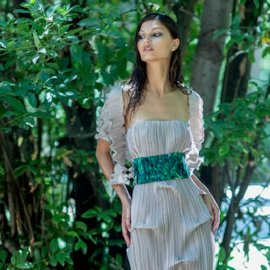 """Rainforest Blues"" : Η εντυπωσιακή συλλογή της Δάφνης Βαλέντε για το καλοκαίρι του 2020 - Ρούχα - εξωτικά λουλούδια - στέλνουν οικολογικό μήνυμα (φώτο) - Κυρίως Φωτογραφία - Gallery - Video"