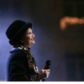 """Η Άλκηστις Πρωτοψάλτη τραγούδησε στην """"πρεμιέρα"""" του Χριστουγεννιάτικου Δέντρου της Θεσσαλονίκης - Ο δημοφιλής δήμαρχος & τα """"κλικ"""" της Έλενας Ράπτη (φώτο-βίντεο)  - Κυρίως Φωτογραφία - Gallery - Video"""