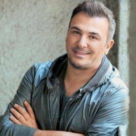 """Ο Αντώνης Ρέμος σε σπάνια τηλεοπτική συνέντευξη:""""Κάποιες στιγμές νιώθω ότι έχω από κάτω το μισό ΑΕΠ της Ελλάδας""""  - Κυρίως Φωτογραφία - Gallery - Video"""