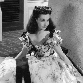 Vintage Fashion Pics: Η Βίβιαν Λι φοράει το πιο ωραίο πράσινο βελούδο φόρεμα όλων των εποχών - Ποιος το σχεδίασε; (φώτο)  - Κυρίως Φωτογραφία - Gallery - Video