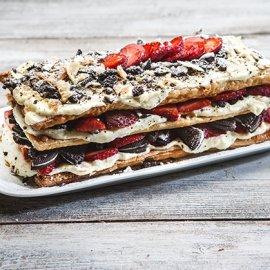H Αργυρώ Μπαρμπαρίγου εντυπωσιάζει: Ακαταμάχητο το Μιλφέιγ μπισκότο με φράουλες - Κυρίως Φωτογραφία - Gallery - Video