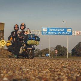 """Story of the Day: Η Αλεξάνδρα & ο Στέργιος γυρίζουν τον πλανήτη με μία βέσπα - Θέλουν να φτάσουν """"στην άκρη του κόσμου"""" με τον """"Κίτσο"""" τους (φώτο-βίντεο) - Κυρίως Φωτογραφία - Gallery - Video"""