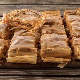 Ο Άκης Πετρετζίκης έχει μια τέλεια πρόταση: Θεσπέσια η χωριάτικη κοτόπιτα - Θα ενθουσιάσει όσους τη δοκιμάσουν (βίντεο) - Κυρίως Φωτογραφία - Gallery - Video