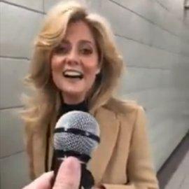 """Τραγουδίστρια έτυχε σε ρεπορτάζ δρόμου & τους """"κούφανε"""" όλους! Ερμήνευσε το """"Shallow"""" καλύτερα από τη Lady Gaga (βίντεο) - Κυρίως Φωτογραφία - Gallery - Video"""