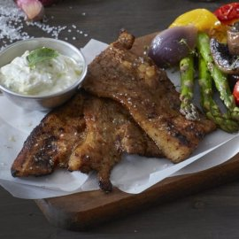 Πεντανόστιμη συνταγή από την Αργυρώ Μπαρμπαρίγου για την Τσικνοπέμπτη: Χοιρινή πανσέτα στη σχάρα με ψητά λαχανικά - Κυρίως Φωτογραφία - Gallery - Video