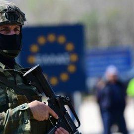 Συνελήφθη στην Αθήνα ο «αναρχικός πρόσφυγας» - Ο Ιρανός ζητούσε να οπλιστούν οι μετανάστες στον Έβρο - Κυρίως Φωτογραφία - Gallery - Video