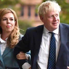 Τα κλάμματα έβαλε η έγκυος αρραβωνιαστικιά του Boris Johnson όταν έμαθε ότι μπαίνει στην Εντατική - Τι είπε η 32χρονη αγαπημένη (φωτό) - Κυρίως Φωτογραφία - Gallery - Video