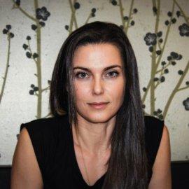 Η ωραιότατη και εξαιρετική χειροπράκτης της Αθήνας Κατερίνα Μουστάκα δίνει μαθήματα για να γνωρίσουμε καλύτερα το σώμα μας – Πραγματική Topwoman - Κυρίως Φωτογραφία - Gallery - Video