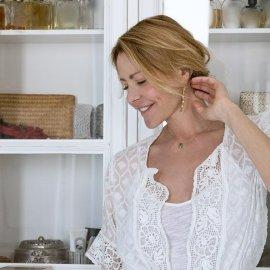 Χρυσοχέρα η Τζένη Μπαλατσινού: Έφτιαξε ένα ωραιότατο στεφάνι από αγριολούλουδα (φωτό) - Κυρίως Φωτογραφία - Gallery - Video