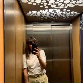 Ξέρετε γιατί καθιερώθηκε να υπάρχει καθρέφτης μέσα στα ασανσέρ; - Vintage story - Κυρίως Φωτογραφία - Gallery - Video