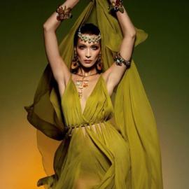 Η Bella Hadid σαν Ελληνίδα θεά στην γαλλική Vogue – Τα αιθέρια φορέματα (φωτό) - Κυρίως Φωτογραφία - Gallery - Video