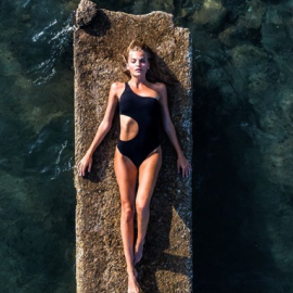 Made in Greece από την Άννα και την Ιλόη τα Maaboo μαγιό – Σε πρωτότυπα one shoulder ολόσωμα, bikini αλλά και surf suits (φωτό) - Κυρίως Φωτογραφία - Gallery - Video