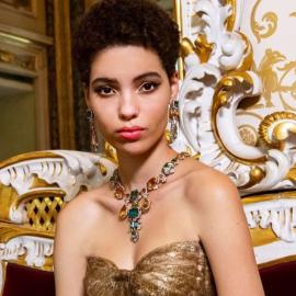 Η Dolce & Gabbana αποκαλύπτουν με βίντεο πως δημιουργούνται τα περίφημα κοσμήματα τους – Κολιέ, βραχιόλια & δαχτυλίδια με σχήματα λουλουδιών - Κυρίως Φωτογραφία - Gallery - Video