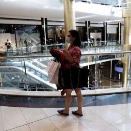 Καταργείται η μάσκα για τους καταναλωτές μέσα σε εμπορικά κέντρα &  το όριο των 6 ατόμων ανά τραπέζι - Κυρίως Φωτογραφία - Gallery - Video
