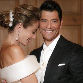 Επέτειος γάμου Ρουβά - Ζυγούλη: «Θα είμαι δίπλα σου όχι μία, αλλά πολλές ζωές» λέει ο Σάκης - Ο ξέφρενος χορός του ζευγαριού (φωτό - βίντεο) - Κυρίως Φωτογραφία - Gallery - Video