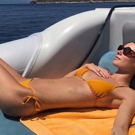 Το κορίτσι του Τεό Νιάρχου κάνει διακοπές στην Σπετσοπούλα & στην Ύδρα - Παντού με τον δισεκατομμυριούχο αγαπημένο της το μανεκέν της Victoria's Secret (φωτο) - Κυρίως Φωτογραφία - Gallery - Video