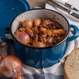 Υπέροχη συνταγή από την Αργυρώ Μπαρμπαρίγου: Χταπόδι κρασάτο στην κατσαρόλα - Κυρίως Φωτογραφία - Gallery - Video