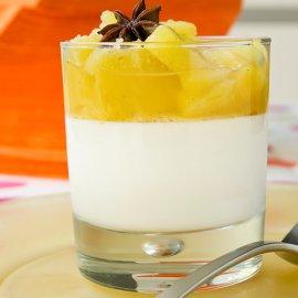 Ο Στέλιος Παρλιαρος μας προτείνει ένα υπέροχο γλυκό - Κομπόστα ανανά με κρέμα γιαουρτιού  - Κυρίως Φωτογραφία - Gallery - Video