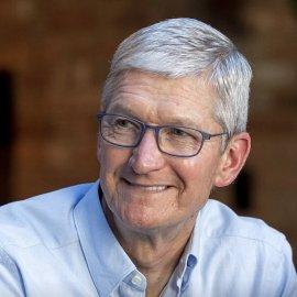 """Στο «κλαμπ» των δισεκατομμυριούχων ο Τιμ Κουκ - Πώς """"εκτινάχθηκε"""" η περιουσία του CEO της Apple (Φωτό)  - Κυρίως Φωτογραφία - Gallery - Video"""