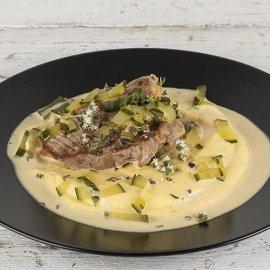 O Άκης Πετρετζίκης μας προτείνει μια μοναδική συνταγή - Μπριζόλες με σάλτσα charcutiere  - Κυρίως Φωτογραφία - Gallery - Video