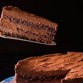 Ο Στέλιος Παρλιαρος μας φτιάχνει μία εντυπωσιακή τούρτα μπίτερ σοκολάτα με ρούμι - Κυρίως Φωτογραφία - Gallery - Video