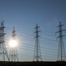 Φθηνότερο ρεύμα σε νοικοκυριά & επιχειρήσεις - Τα νέα μέτρα του Υπουργείου Ενέργειας & οι εκπτώσεις στους λογαριασμούς  - Κυρίως Φωτογραφία - Gallery - Video