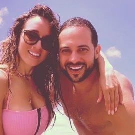 «10 χρόνια μαζί»! Η Καλομοίρα γιορτάζει την επέτειο του γάμου της με τον Γιώργο Μπούσαλη – Η τρυφερή φωτογραφία στην παραλία της Santa Lucia (Φωτό)  - Κυρίως Φωτογραφία - Gallery - Video