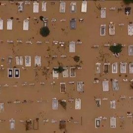 Θρίλερ χωρίς προηγούμενο στην Καρδίτσα: Ακόμη & οι σοροί βγήκαν έξω – Μόνο τα ελικόπτερα βοήθησαν τους εγκλωβισμένους κατοίκους (Φωτό & Βίντεο)  - Κυρίως Φωτογραφία - Gallery - Video
