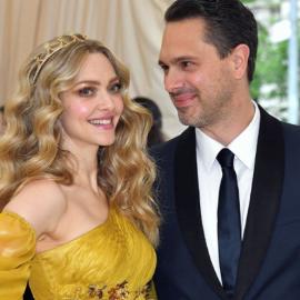 Amanda Seyfried: Mαμά για δεύτερη φορά έγινε η όμορφη πρωταγωνίστρια του Mamma Mia – To αγοράκι της ευτυχίας για το πανέμορφο ζεύγος   - Κυρίως Φωτογραφία - Gallery - Video