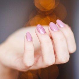 45 ιδέες για όμορφα σχέδια στα νύχια με απαλά χρώματα - Για να δοκιμάσεις το φετινό Φθινόπωρο  - Κυρίως Φωτογραφία - Gallery - Video