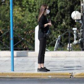 Αγρίνιο: 16χρονη λιποθύμησε έξω από το φαρμακείο - Κανείς δεν την βοηθούσε - Νόμιζαν πως έχει κορωνοϊό - Κυρίως Φωτογραφία - Gallery - Video