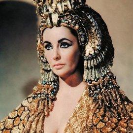 Η Adriana Lima μεταμορφώθηκε σε εκθαμβωτική Κλεοπάτρα της Αιγύπτου- Η αιρετική σύγκριση με την Elizabeth Taylor (φωτό- βίντεο)  - Κυρίως Φωτογραφία - Gallery - Video
