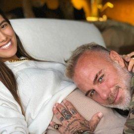 Μπαμπάς έγινε ο 53χρονος Ιταλός πολυεκατομμυριούχος Gianluca Vacchi- Η τρυφερή φωτό με την πανέμορφη σύντροφό του μετά τον τοκετό - Κυρίως Φωτογραφία - Gallery - Video